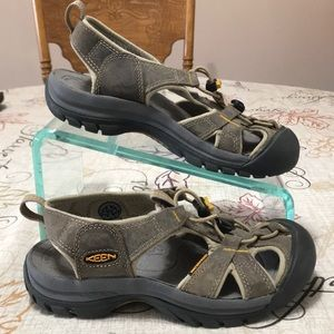 EXC! Keen Leather Water Shoes Size 6 Women's
